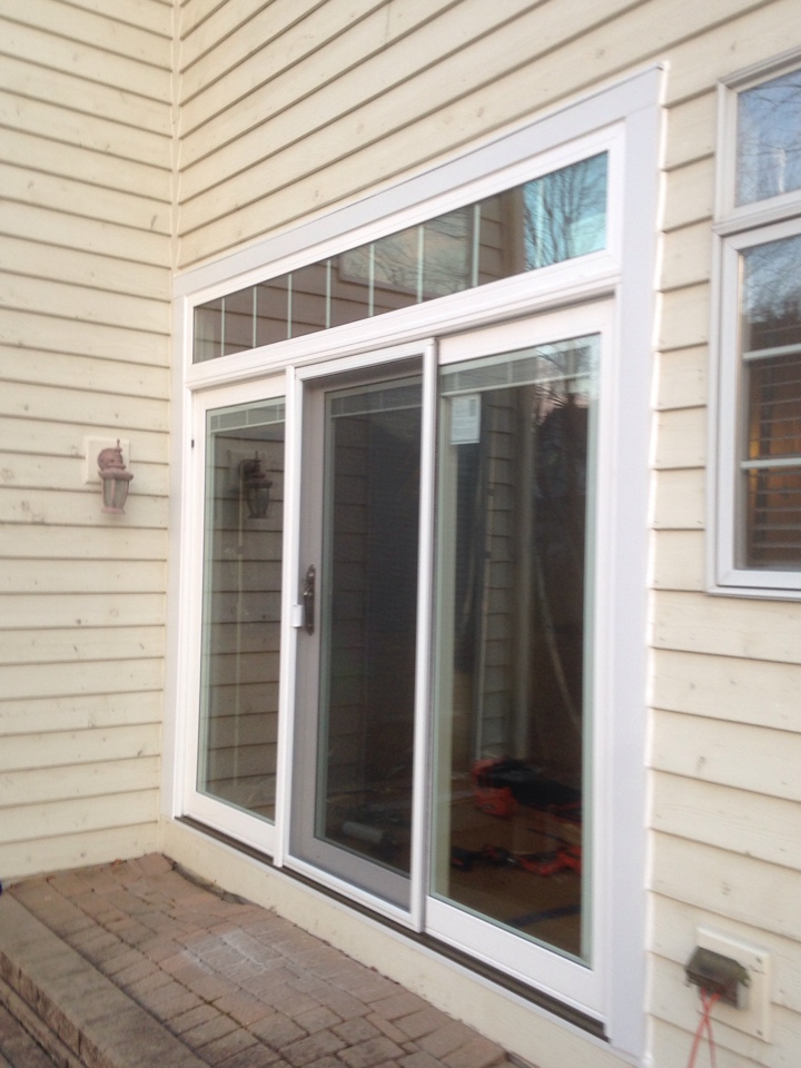 Naperville, IL - Sunrise 3panel sliding door with transom and grilles between glass