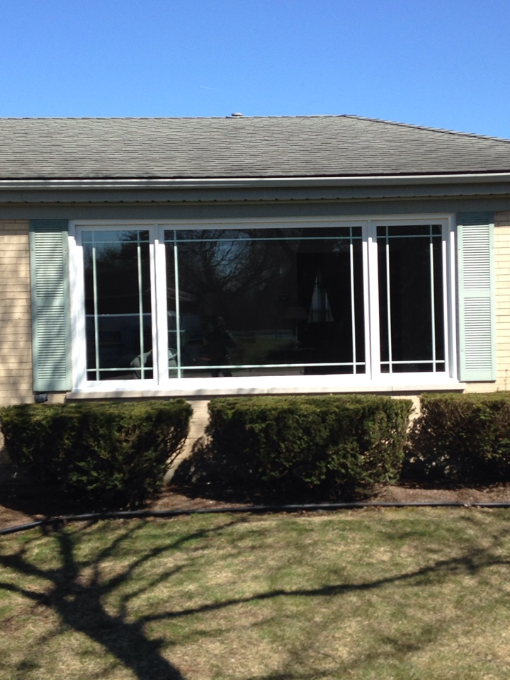 Oak Brook, IL - Marvin clad picture window with casements on each end
