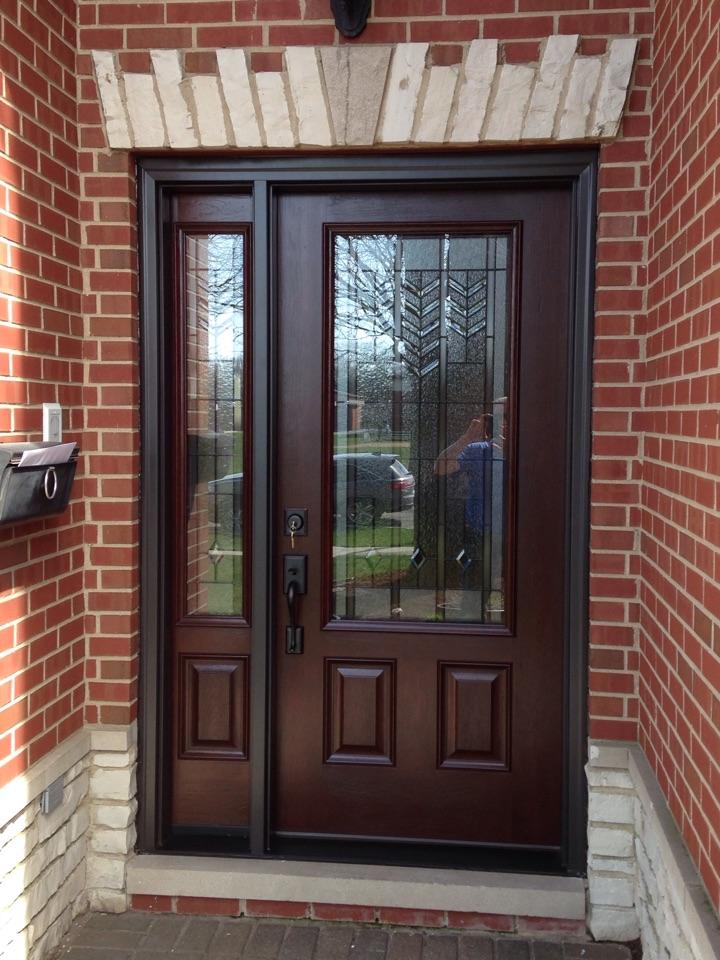 La Grange, IL - Provia signet entry door and sidelight