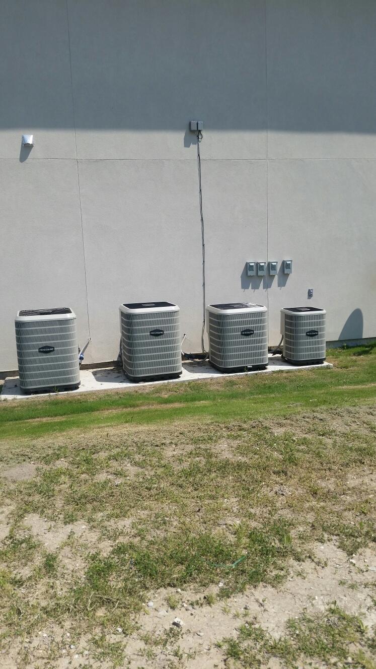 Heath, TX - Ac repair on Frigidaire air conditioner repair small leak at air conditioning unit