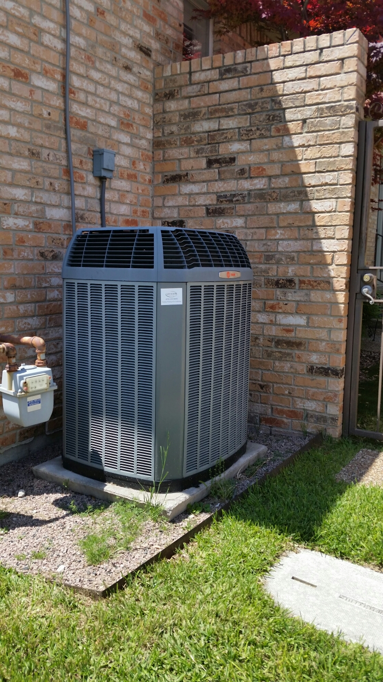 Rockwall, TX - AC repair service Trane air conditioner XL 20 air conditioning service replace control board