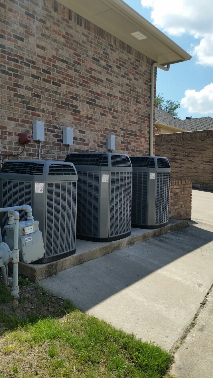 Heath, TX - AC repair Trane air conditioning system replace control board install new Honeywell wifi thermostat perform air conditioning service