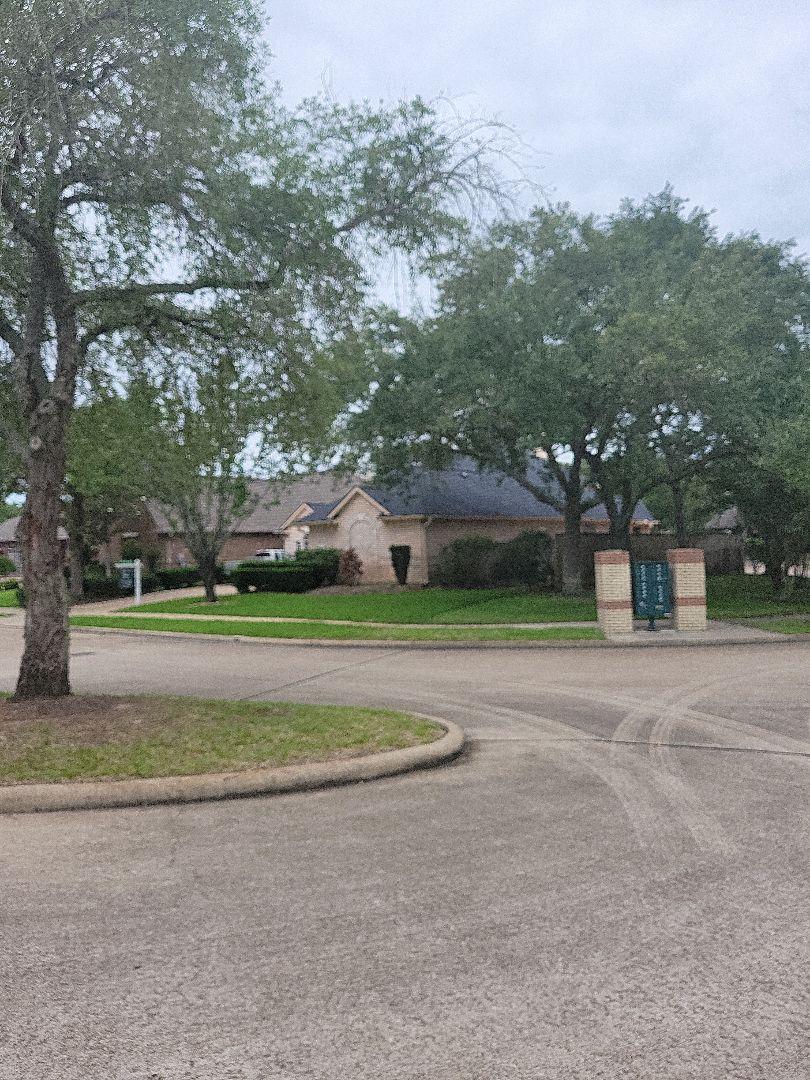 Houston, TX - Raised sprinkler heads