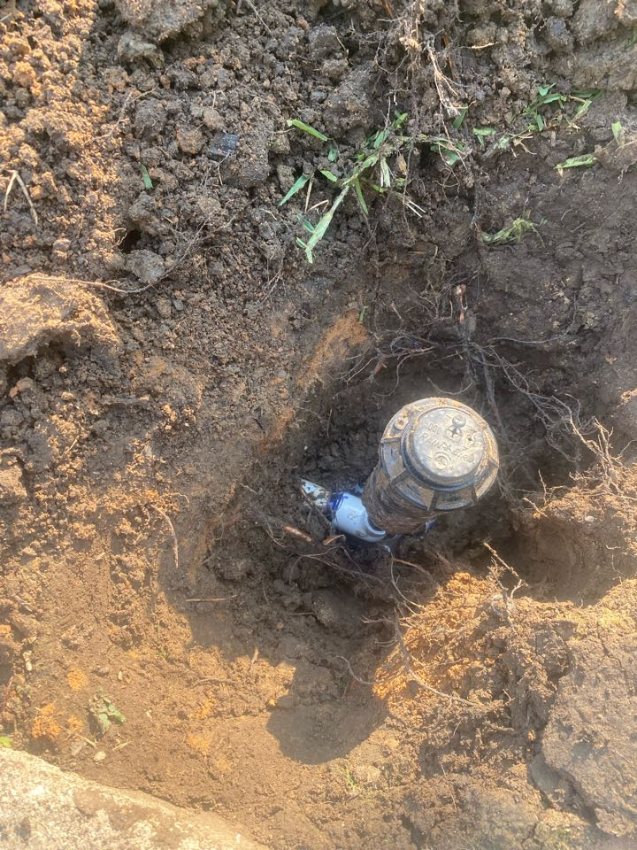 Lewisville, TX - Fix broken pipe