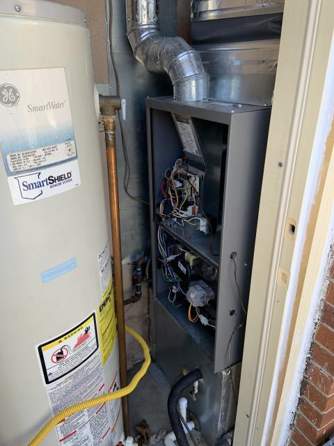 Centerville, OH - Performed tuneups on Comfortmaker AC and gas furnace. Recommend hard start kit for a compresser issue.