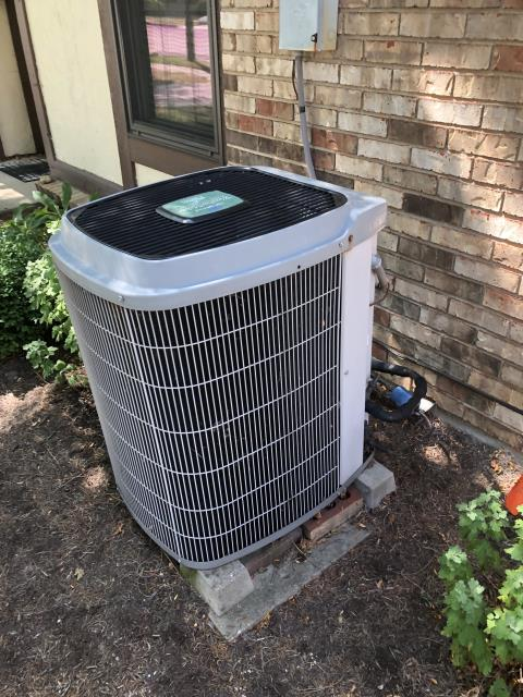 Springboro, OH - I replaced the Compressor-Motor Surge Capacitor on a 2003 Carrier