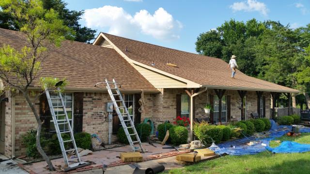 Cedar Hill, TX - Roof Install: CertainTeed Landmark - (Resawn Shake) Shingles.