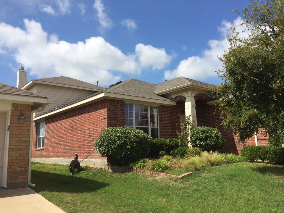 Fort Worth, TX - West Fort Worth, installed Owens Corning Oakridge (Color: Driftwood). Insurance Claim due to hail damage.  Included gutters and new wood fence.