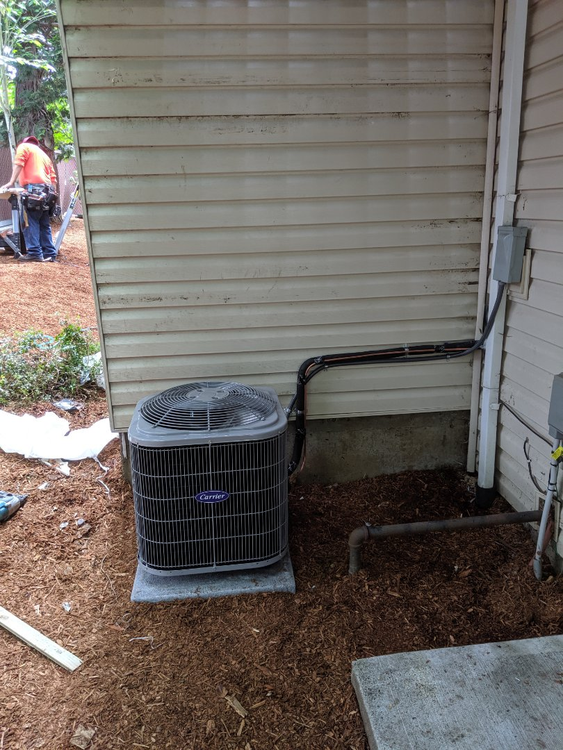 Portland, OR - Installed a Carrier Comfort series 2 ton air conditioner in AC-ready home.