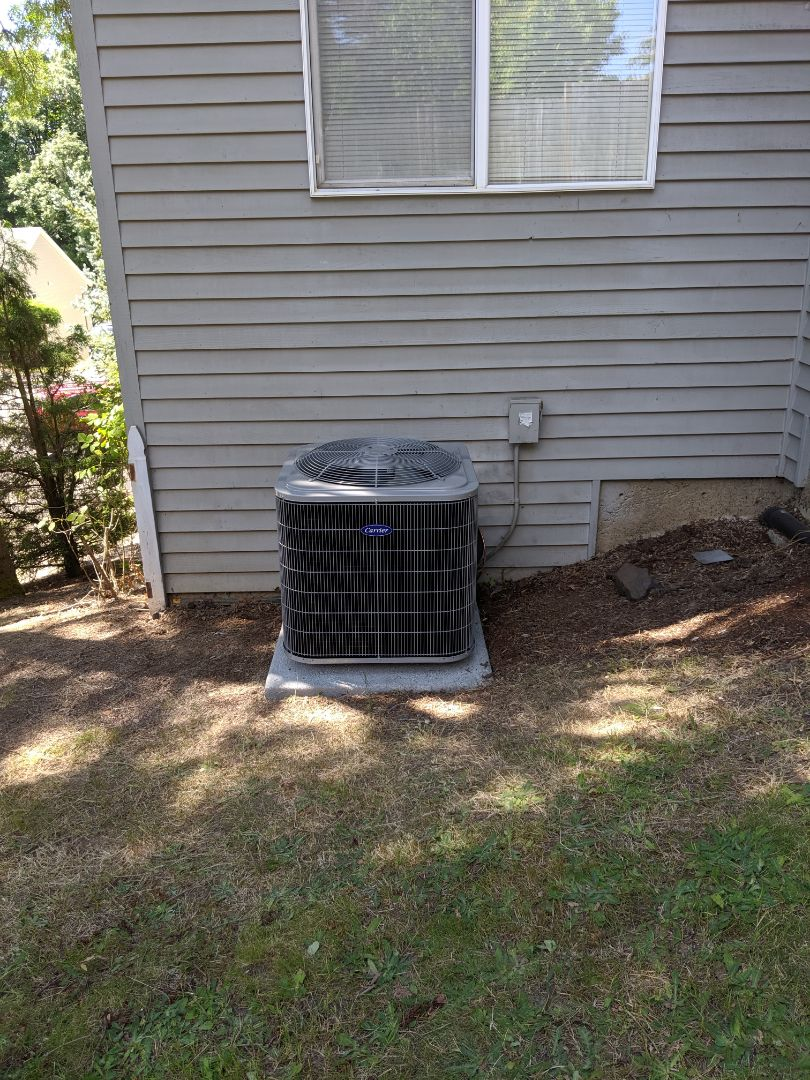 Clackamas, OR - Installed a Carrier Comfort series 3.5 ton AC.