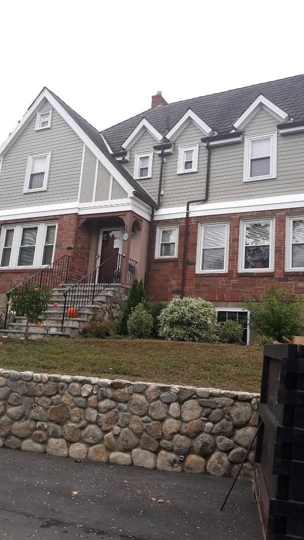 Arlington, MA - Completed hardie plank job in Montery Taupe looks amazing