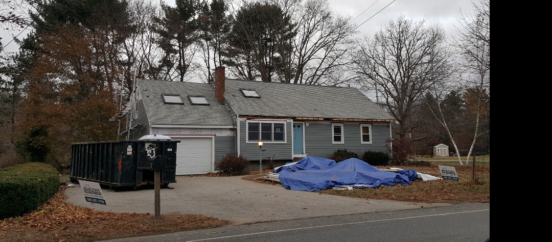 Rockland, MA - Did radius marketing in this  neighborhood in Rockland, MA where we are installing #JamesHardie #FiberCement #Clapboard  #Siding and #GAF #Asphalt #TimberlineHD #Roof #Shingles in this home.