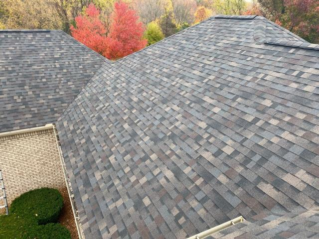 Plymouth, MI - Black Sable from Owens Corning looks amazing with the brick of the house here