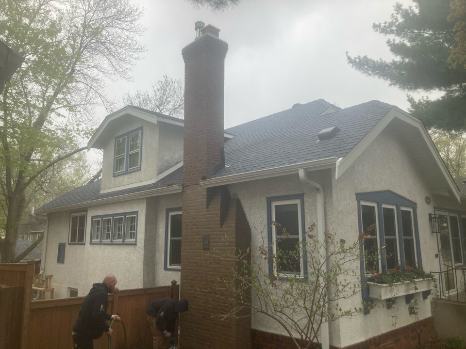 Minneapolis, MN - Washed and sealed all exterior brick