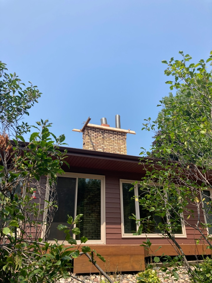 Vadnais Heights, MN - Rebuild chimney and poured crown