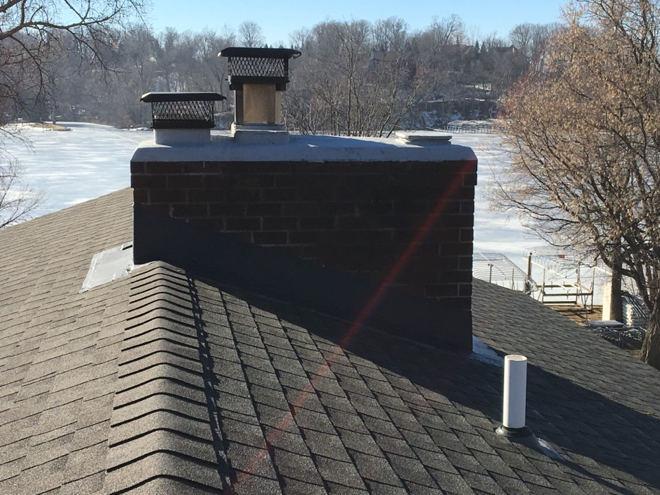 Mound, MN - Sealed exterior chimney