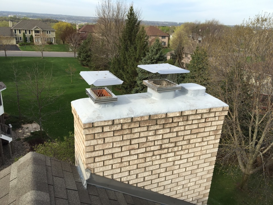 Maplewood, MN - Installed screen and rain covers