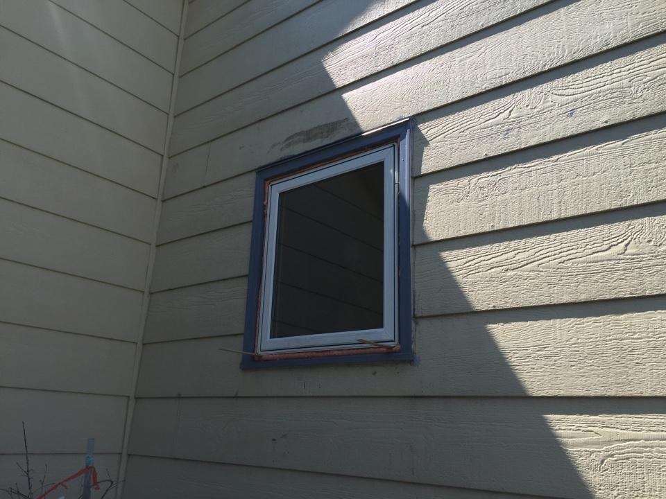 Wichita, KS - Window replacement foam filling