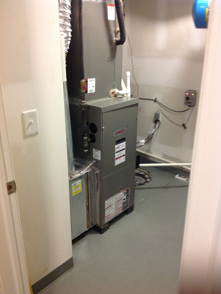 Boonton Township, NJ - Maintenance and inspection on LENNOX gas furnace.
