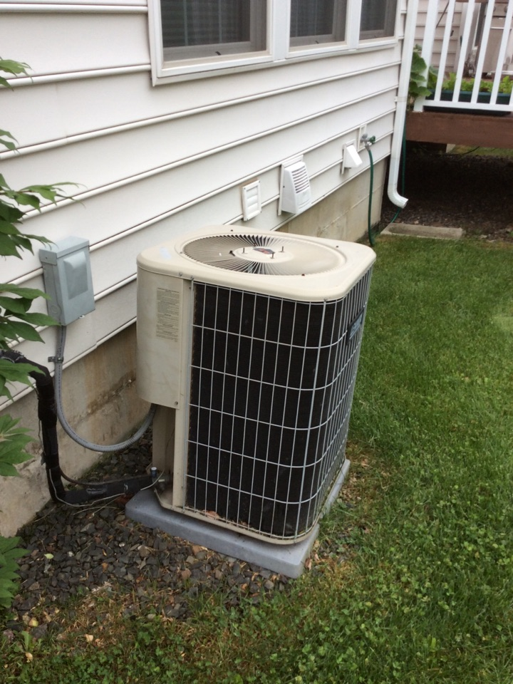 Totowa, NJ - PERFORM MAINTENANCE ON A LENNOX AIR CONDITIONING SYSTEM