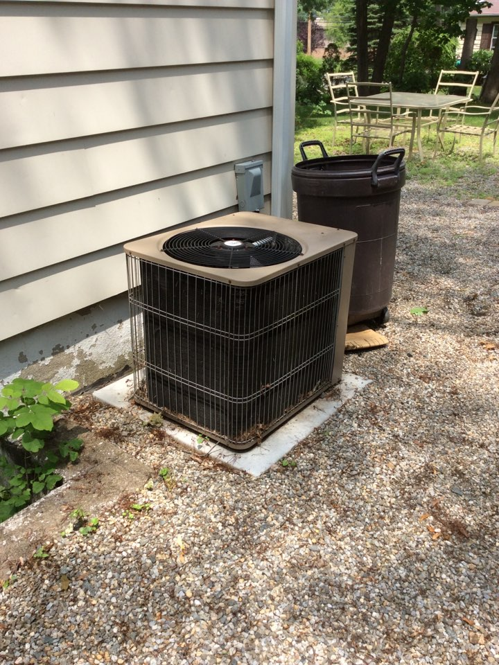 Boonton Township, NJ - SERVICE CALL WATER LEAK, CLEARED AND FLUSHED DRAIN LINE, LOW REFRIGERANT ADDED 1 LB OF R-22