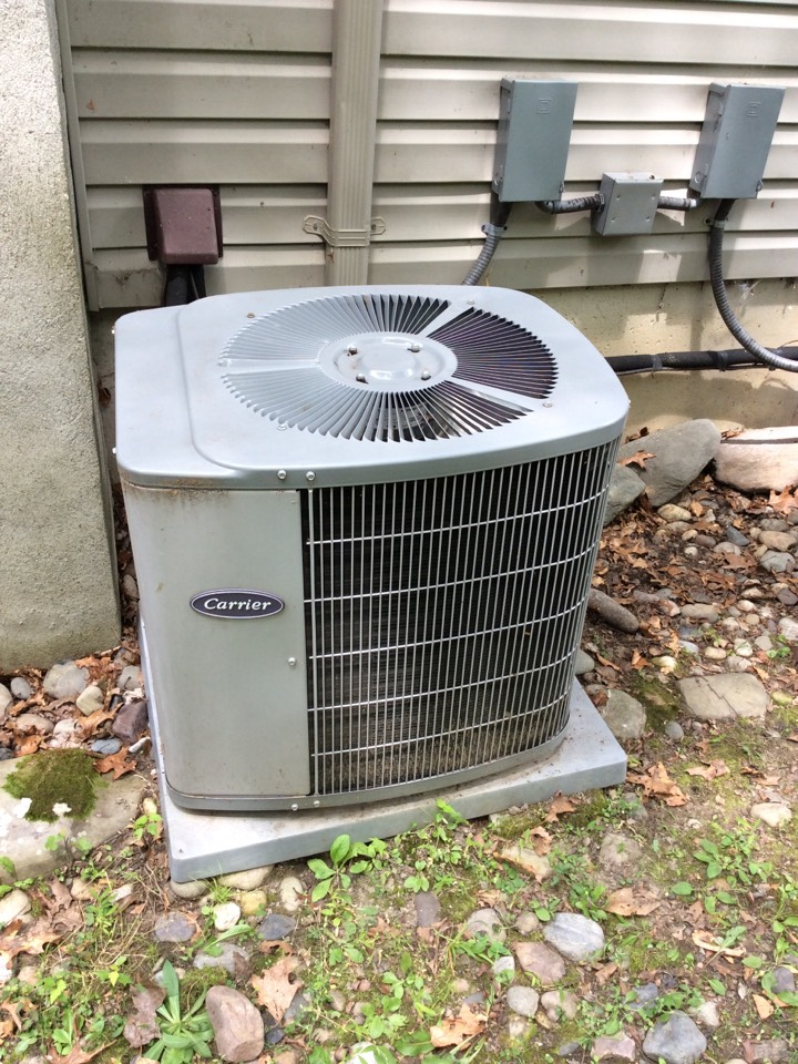 Parsippany-Troy Hills, NJ - SERVICE CALL NO COOLING. INSTALL NEW CAPACITOR AND 1 POUND OF R-22 REFRIGERANT
