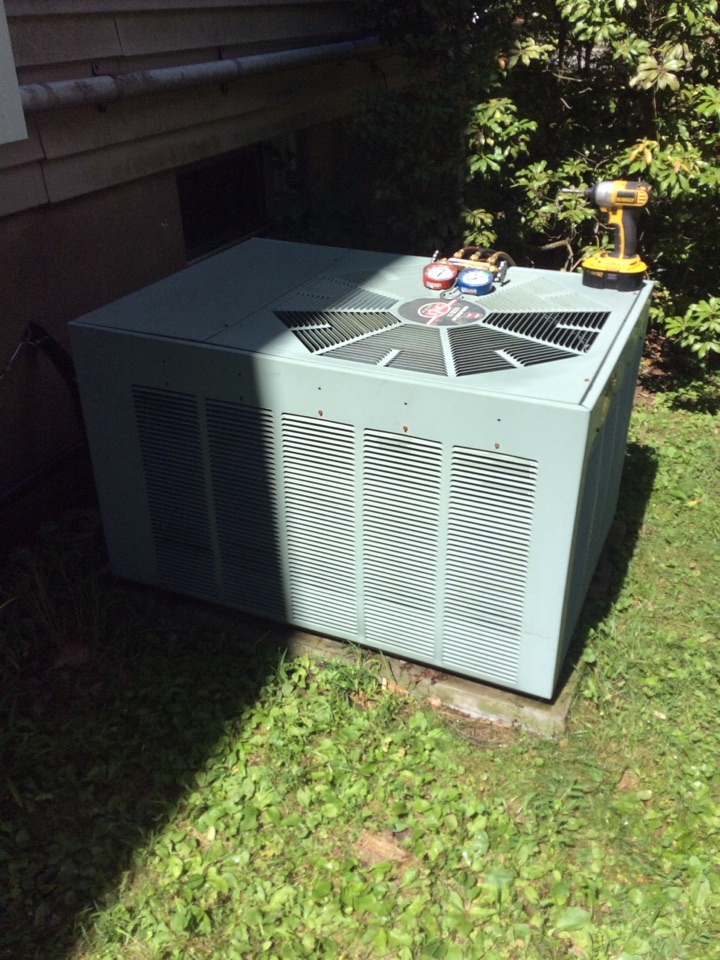 Paramus, NJ - Performed service repair on weatherking AC system.