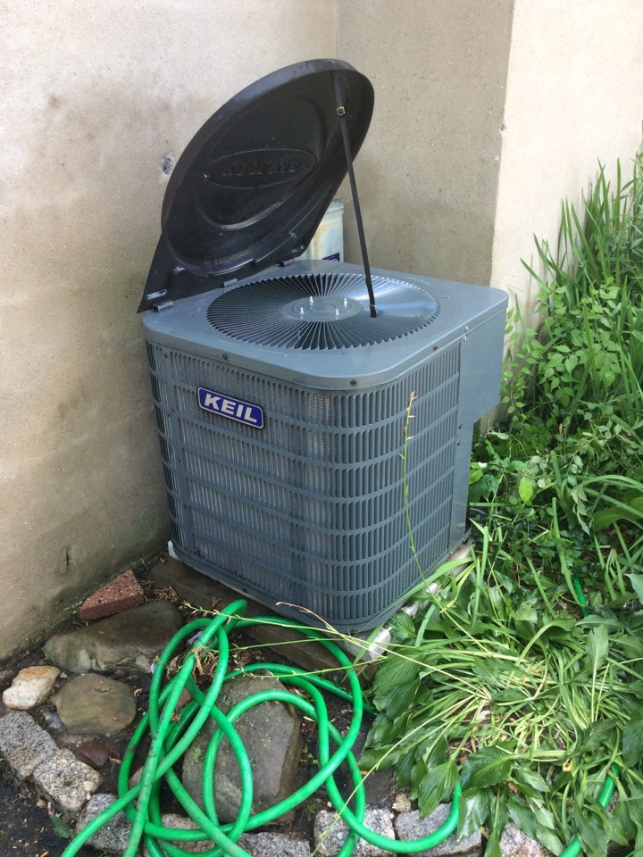 Rockaway, NJ - PERFORM MAINTENANCE ON AC UNIT.