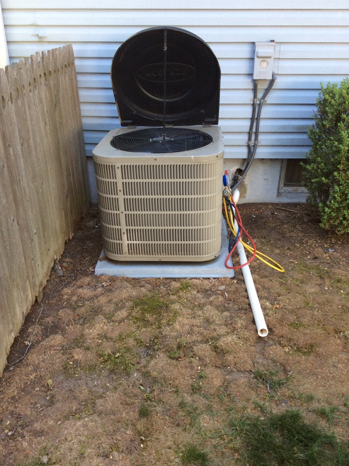 Waldwick, NJ - PERFORMED PERPETUAL 20 POINT PRECISION TUNE UP ON GOODMAN AIR CONDITIONING SYSTEM.