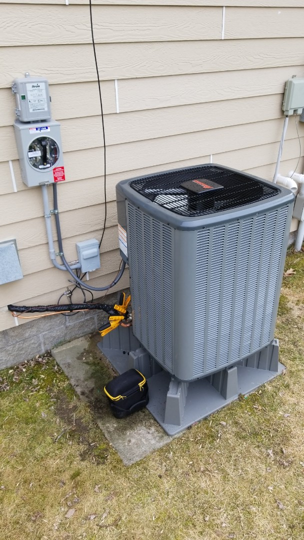 Stanchfield, MN - Install new Amana Heat Pump