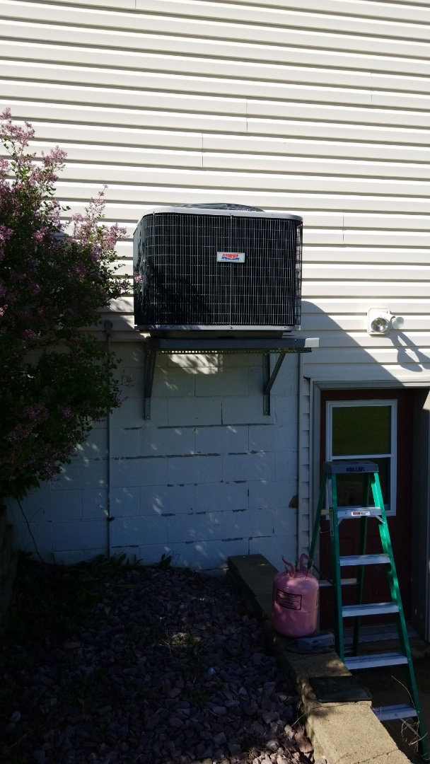 Stanchfield, MN - Service in Heil Air conditioner