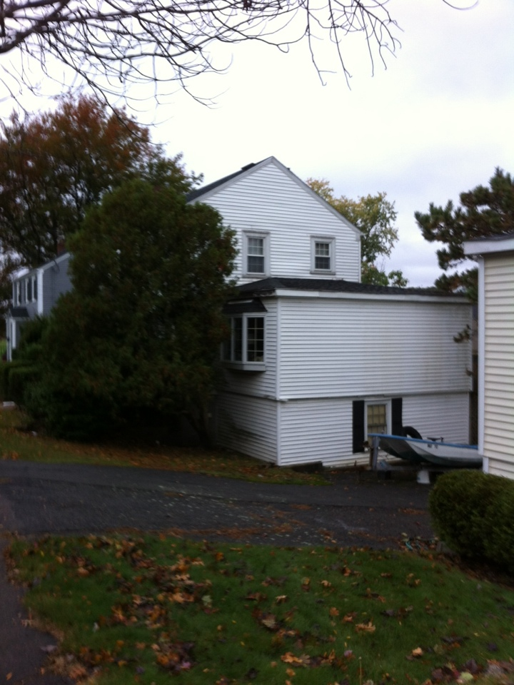 Swampscott, MA - Doing a pre-job site visit on a vinyl siding and roofing project in Swampscott