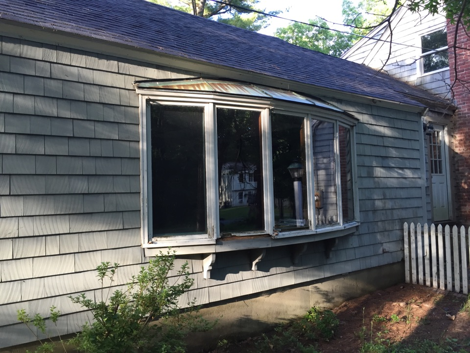 Boxford, MA - Estimating a bow window unit in Boxford. This one is rotted to the core