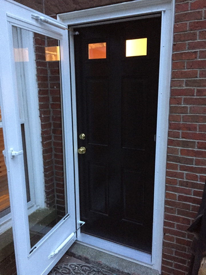 Salem, MA - Checking on an entry door project we just finished today in Salem with a thermatru pre finished fiberglass door.  Looks really sharp. Happy customers.