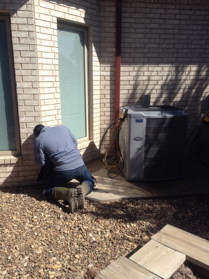 Hereford, TX - Servicing to Carrier heat pump systems!