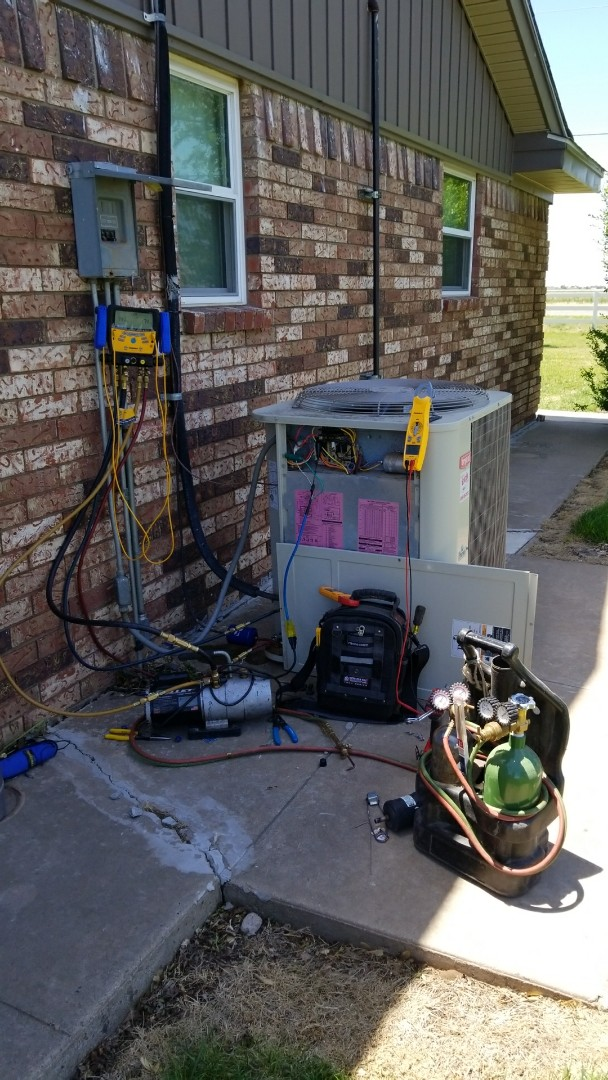 Amarillo, TX - Replacing txv on Bryant system!