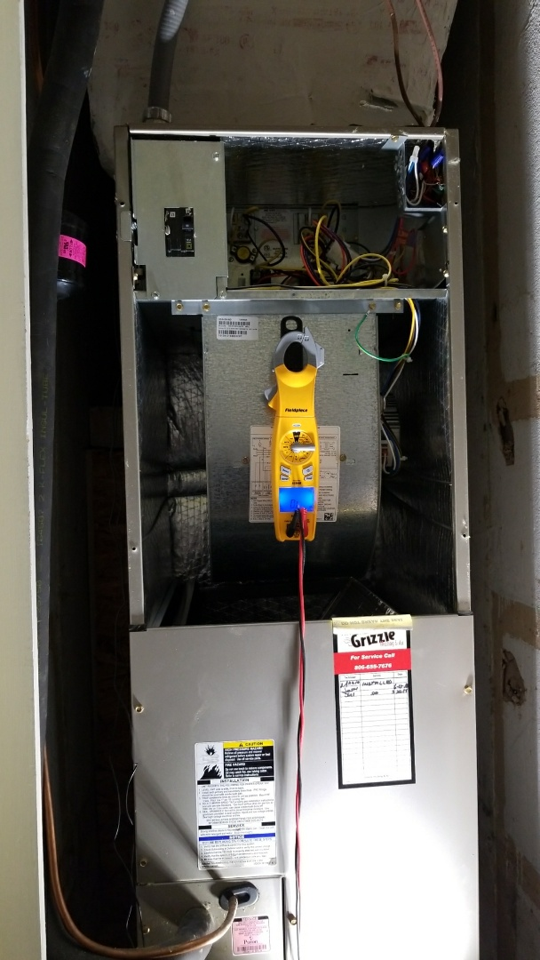 Canyon, TX - Cleaning Bryant Heat Pump system!