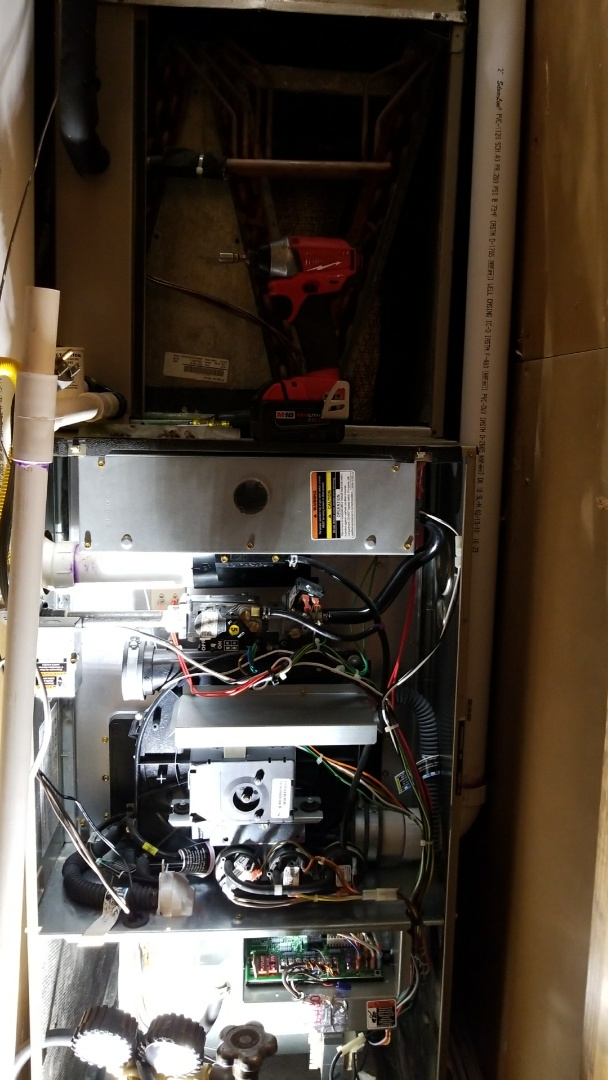 Amarillo, TX - Servicing and cleaning Bryant system!