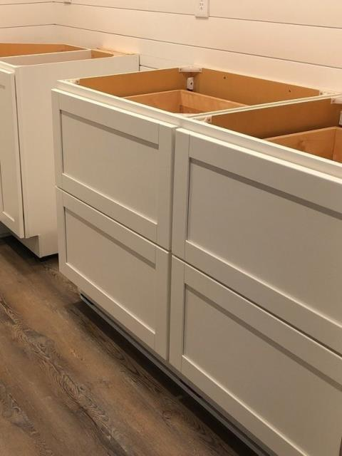 Lee's Summit, MO - Large drawers are a great alternative to a standard kitchen cabinet for storage.