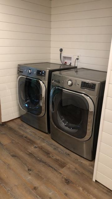 Lee's Summit, MO - Consider updating your laundry room with a brand new set of LG appliances.  Stainless steel frontloaders- functional and beautiful!