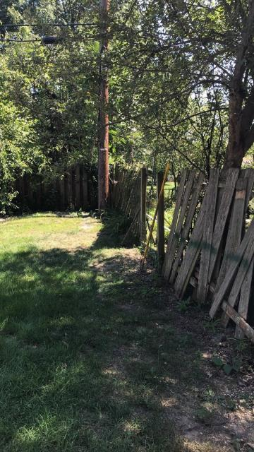 Lee's Summit, MO - Maintaining a cedar fence is important for many reasons.  Letting it go can lead to problems such as rot, damp and decay.   A simple repair can solve the issue when addressed immediately. Otherwise, a whole new fence may be needed and add more cost.