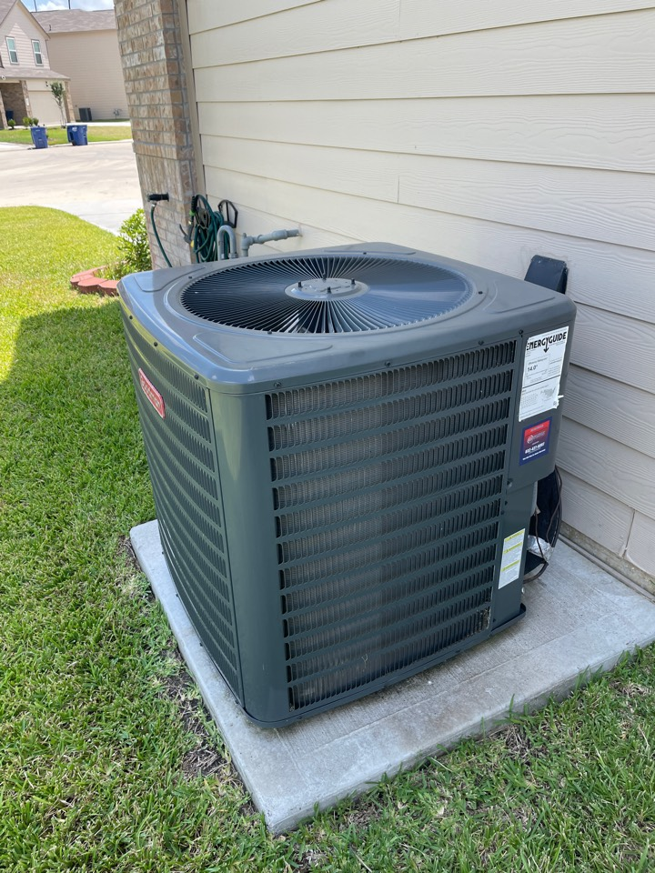 Katy, TX - Repair 1 year old unit in new home.