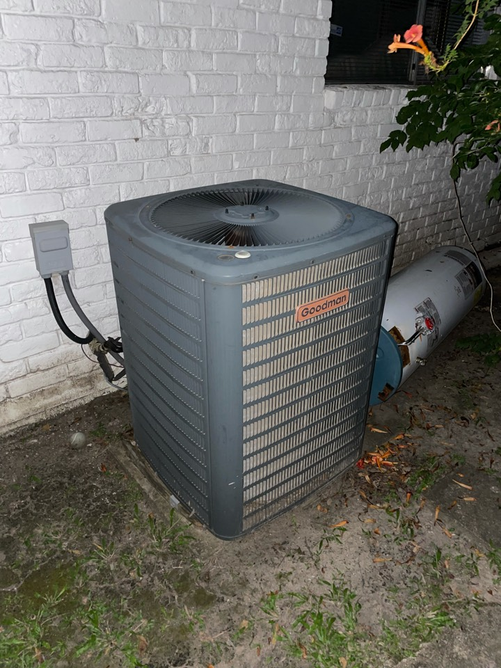 Houston, TX - Late night emergency call. A/C not cooling.