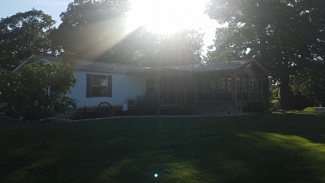 Fayetteville, AR - Full roof replacement complete in Fayetteville. Owen's Corning Supreme (Amber)
