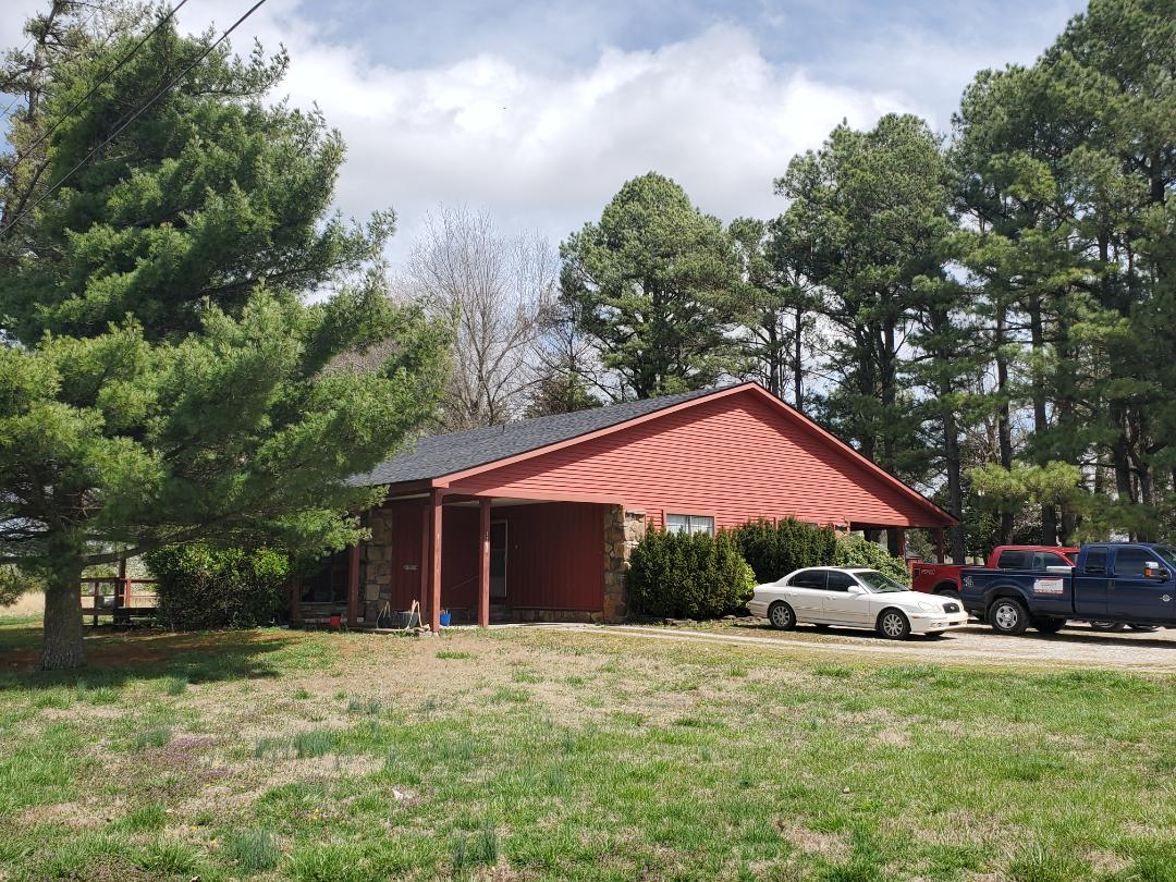 Green Forest, AR - Full roof replacement complete in Green Forest, AR. This is an Owens Corning Oakridge shingle (Onyx Black). Call Quality Assurance Roofing today for an estimate or a free no obligation inspection. (479.239.5469)