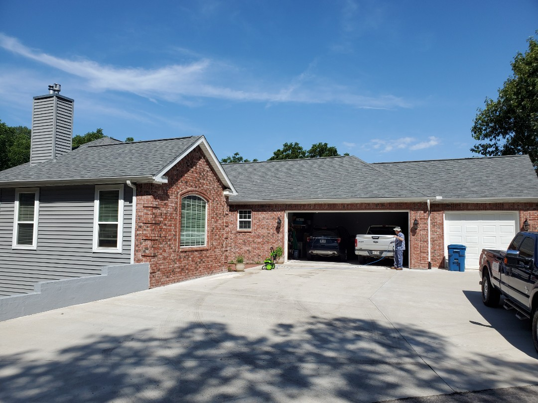Bentonville, AR - Full roof replacement complete in Bella Vista. This is an Owens Corning Oakridge shingle (Estate Gray). Call Quality Assurance Roofing today at (479-239-5469)