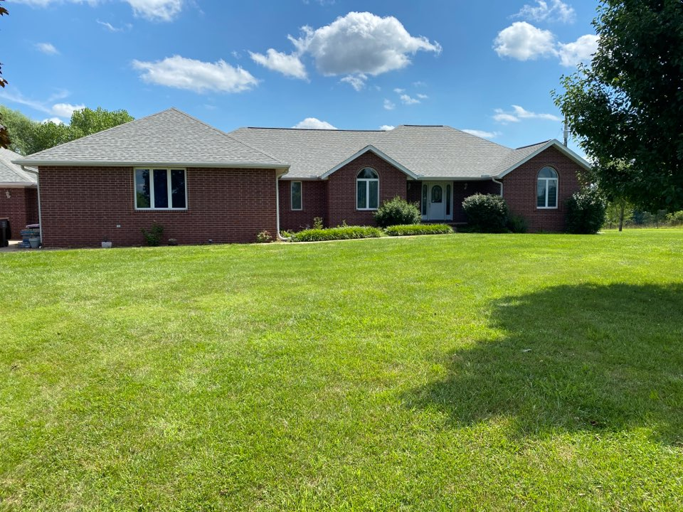 Spokane, MO - This is another beautiful complete roof replacement by Qaulity Assurance roofing. This homeowner chose a Certainteed Landmark shingle in Cobblestone Gray