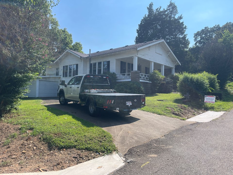Clarksville, AR - Quality Assurance Roofing serves all of the river valley and NWA, including Clarksville. This home on Taylor St in Clarksville was replaced with a CertainTeed Landmark shingle.