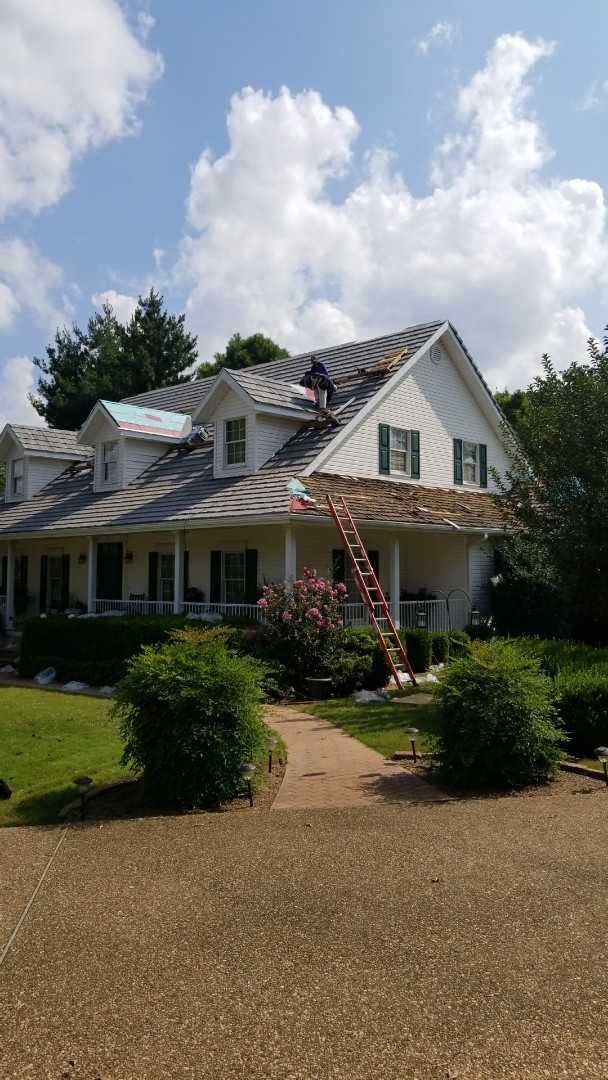 Rogers, AR - Look at the difference between the Cedar Shake on the right and the DaVinci Shake on the left. What a difference! Rogers call Quality Assurance Roofing to find out more about DaVinci Shake and for a free estimate!