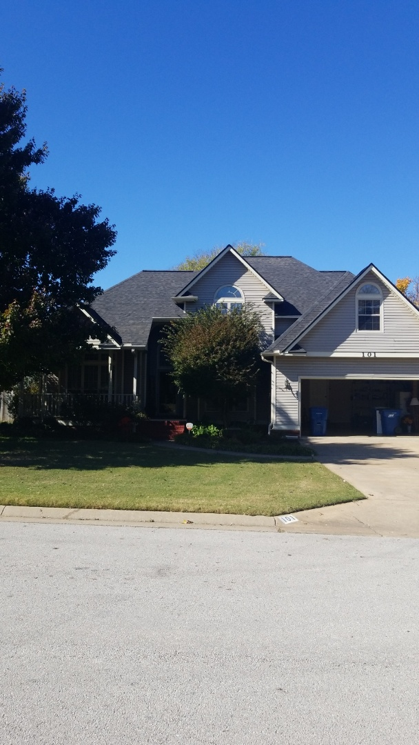 Bentonville, AR - Quality Assurance Roofing just Replaced a old Tired Roof in Bentonville with a Duration Shingle. Looks Fantastic!